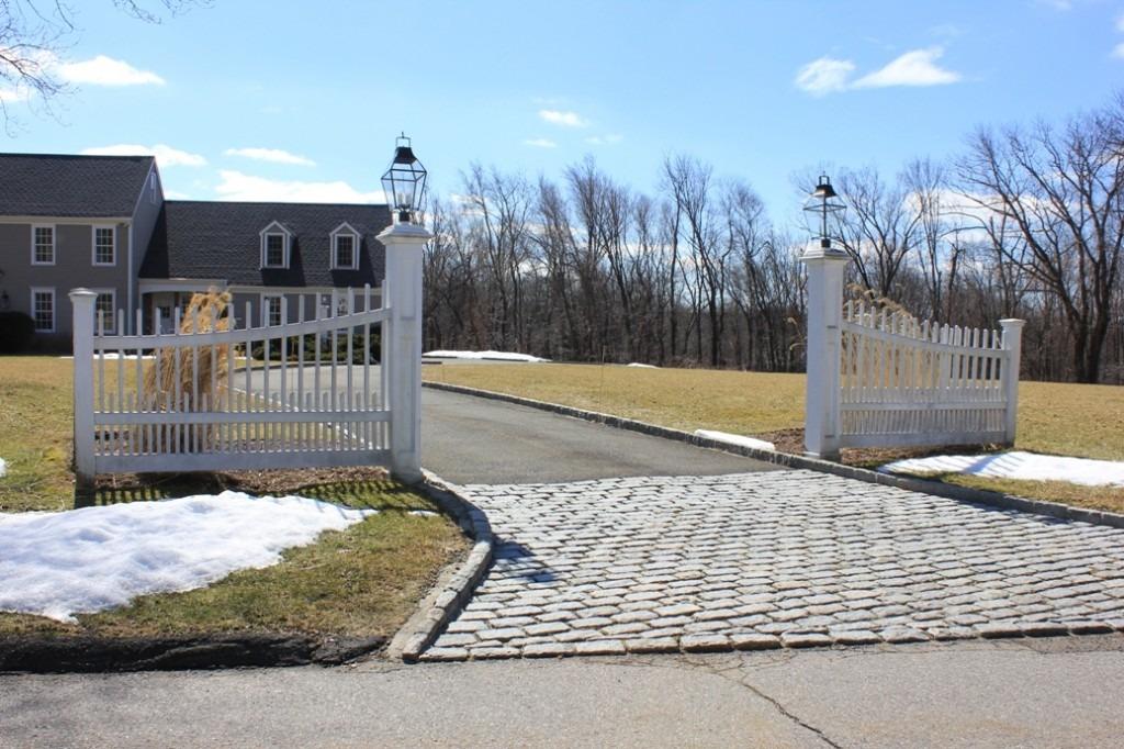 Entrance garden before